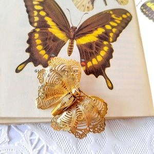 PRETTY Vintage Gold Butterfly Brooch-Pin-Mesh